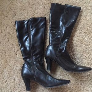 Shoes - Dark brown tall boots